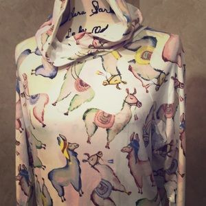 adorable Llama print Lularoe Amber hoodie 🦙